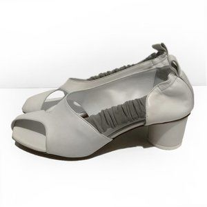 GRAY MATTERS off white cut out square toe sandals